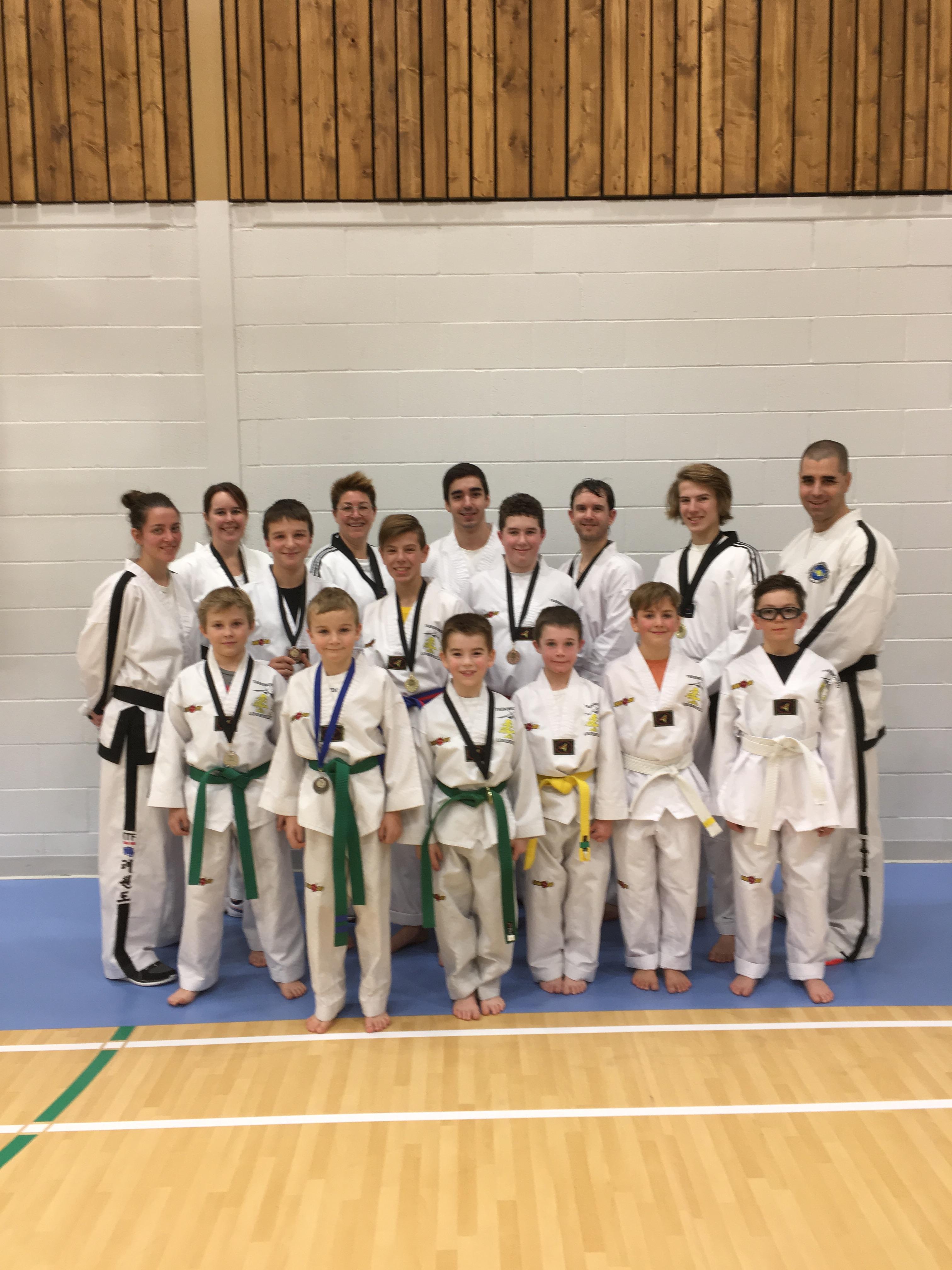 Des maîtres du taekwondo à Louiseville