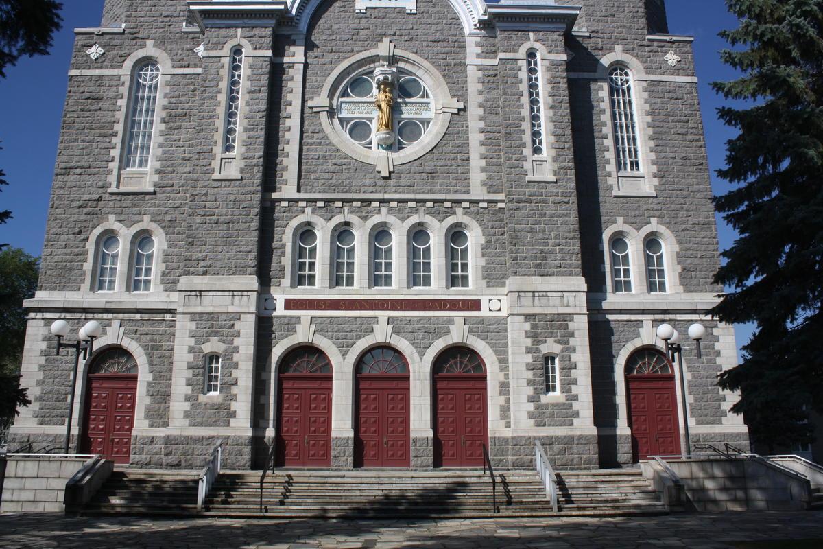Un premier curé laïc à Louiseville?