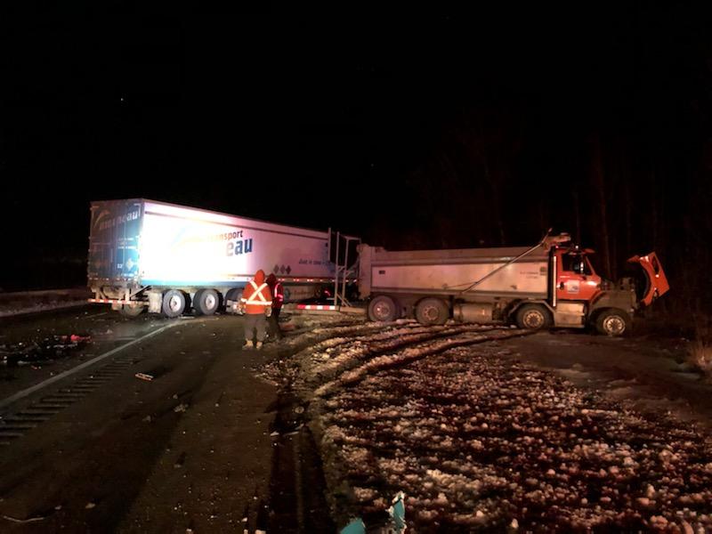 Deux poids lourds impliqués dans une collision sur l'autoroute 40