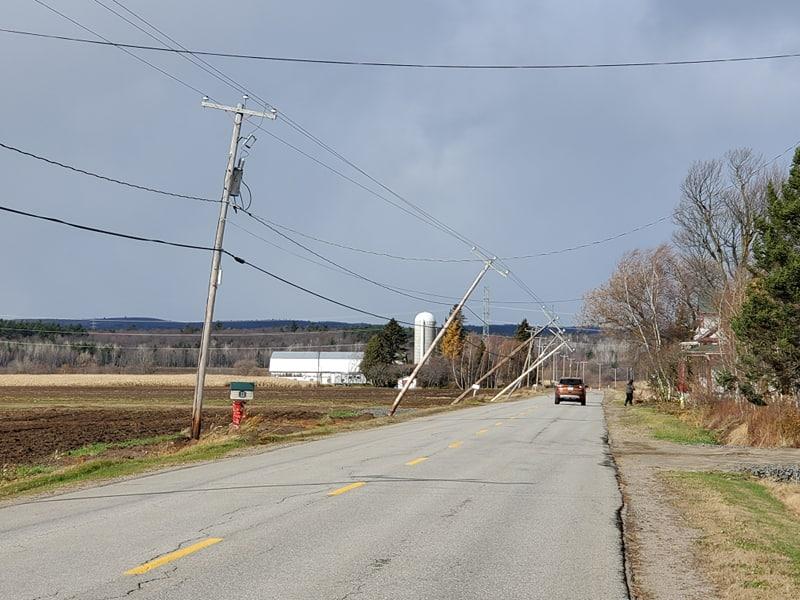 Les vents causent des dégâts dans la région