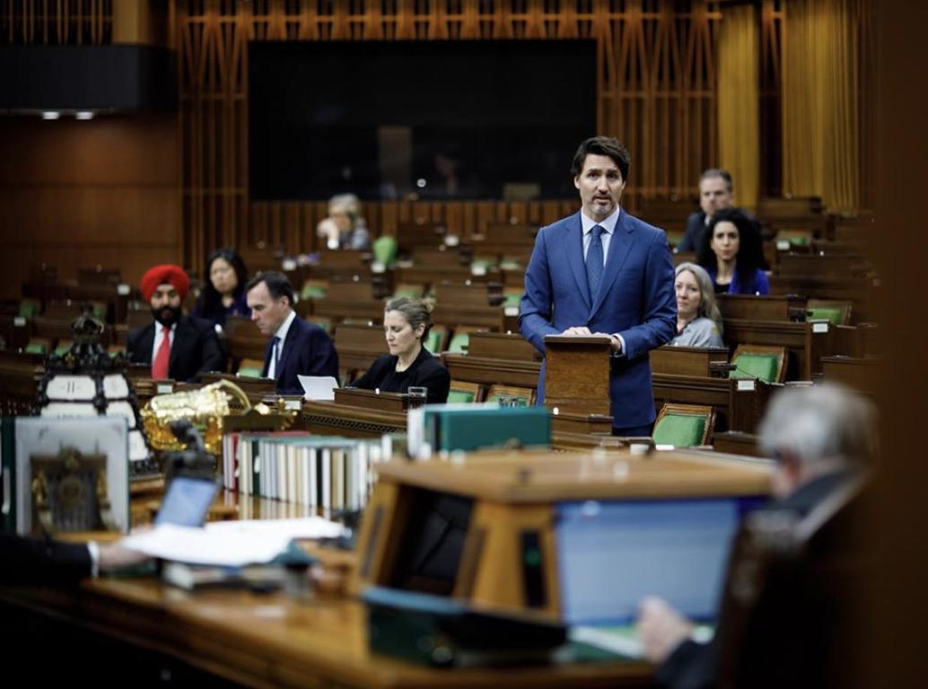 Justin Trudeau accusé de ne pas respecter le confinement