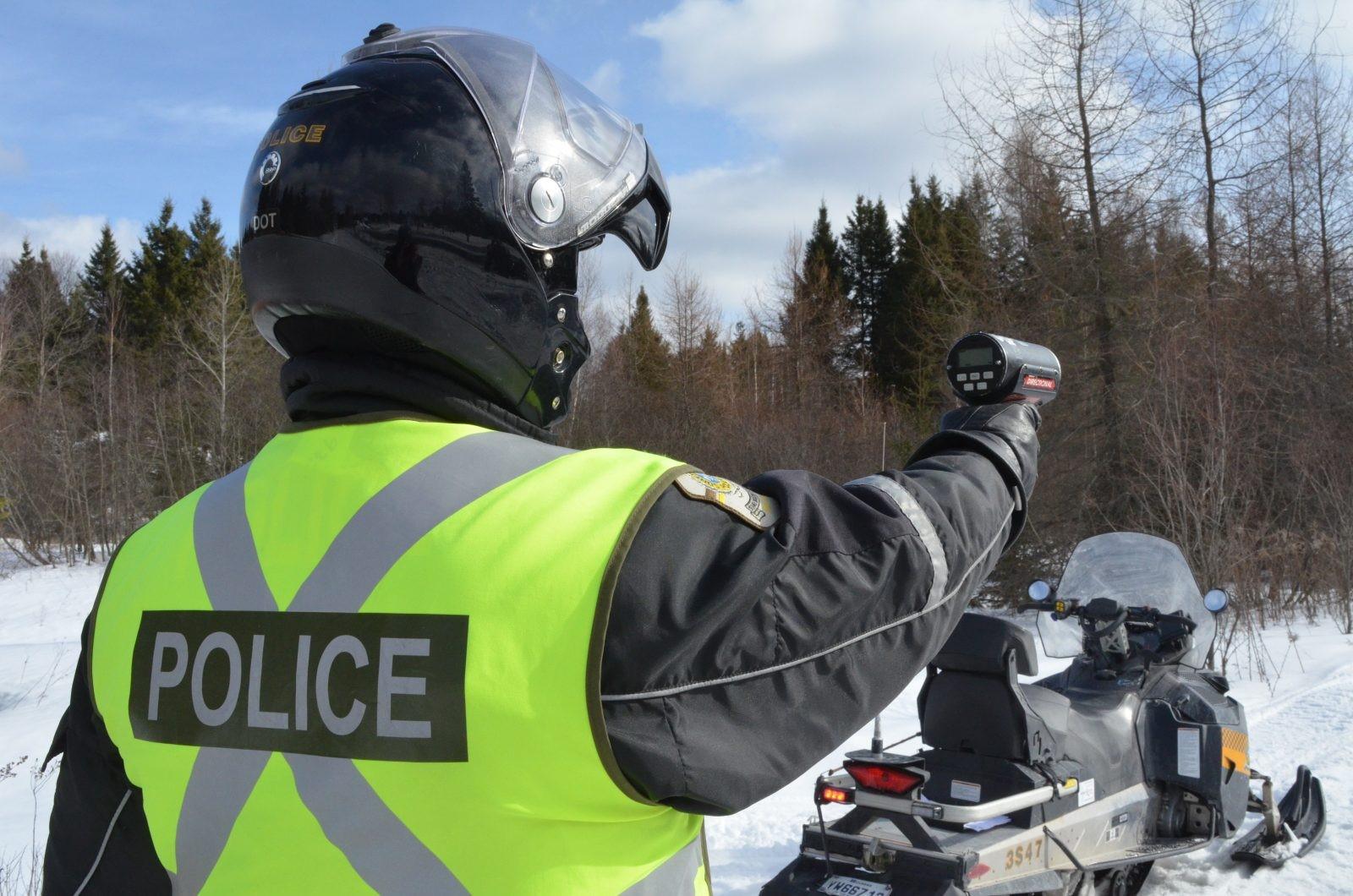 La SQ et les patrouilles aux aguets sur les sentiers de motoneige