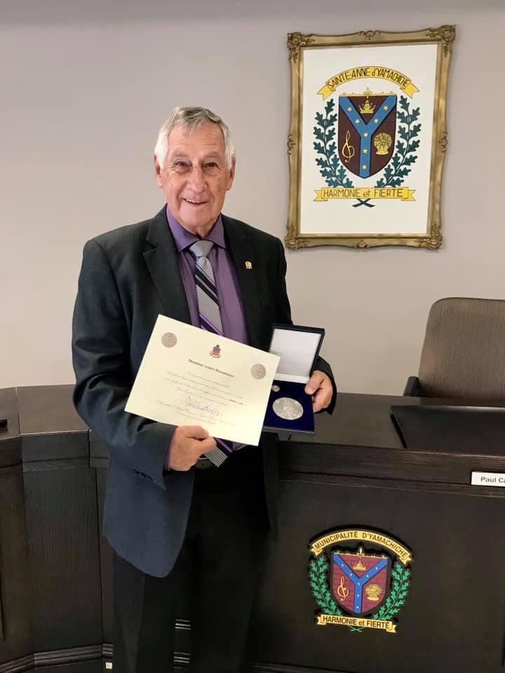 La médaille du lieutenant-gouverneur remise à André Desaulniers